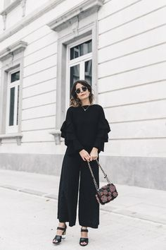 Ruffled_Sleeves_Jumper-Black_Culottes-Dune_Sandals-Beaded_Bag-Outfit-Collage_Vintage-Street_Style-12