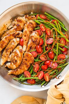 Pin for Later: 35 1-Pot and -Pan Meals (the Smart Cook's Solution to Weeknight Dinners) Balsamic Chicken and Veggies Get the recipe: balsamic chicken with asparagus and tomatoes
