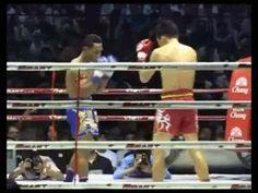 Muay Thai masters Saenchai aka The Doctor, doing work. What an amazing dump! yungbootymane: Saenchai Sor Kingstar