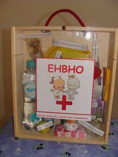 Voor het huwelijk had ik een EHBHO kist gemaakt (naar idee van Jeanet van scrappen en beppen)De inhoud bestond uit het volgende: Eerste H...