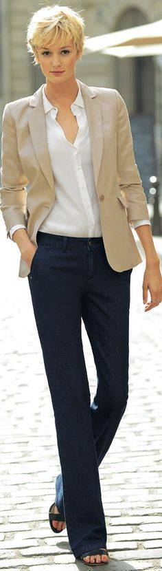 Love a white button down with jeans, but find it hard to find one that won't gape at the bust.