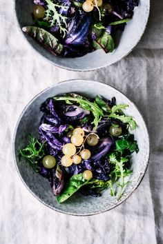 ... red cabbage and grapes salad ...