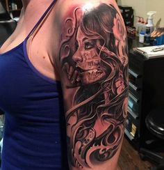 Girl with skull tattoo - 100 Awesome Skull Tattoo Designs  <3 <3