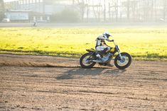 DI TRAVERSO FLAT TRACK SCHOOL | Deus Ex Machina | Custom Motorcycles, Surfboards, Clothing and AccessoriesDeus Ex Machina | Custom Motorcycles, Surfboards, Clothing and Accessories