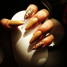 Stiletto nails & animal print