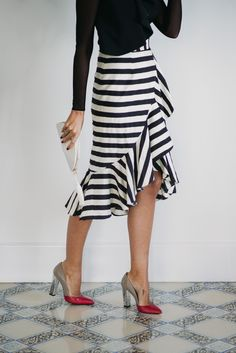 Top Fashion Tips Straight From The Experts – Designer Fashion Tips Girl Fashion, Fashion Outfits, Womens Fashion, Fashion Tips, Casual Elegance, Casual Chic, Skirt Outfits, Dress Skirt, Frack