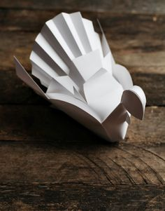 Gorgeous printable turkey paper craft from Smallful
