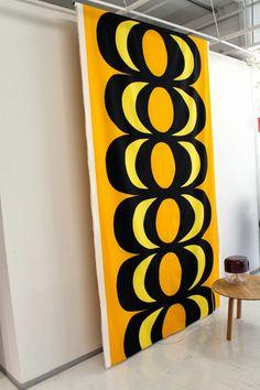 LÖYTÖ: MARIMEKON SUOSIKIT Marimekko Fabric, Native Country, My Home Design, Scandinavian Design, Book Design, Finland, Alice In Wonderland, Print Patterns, Old Things