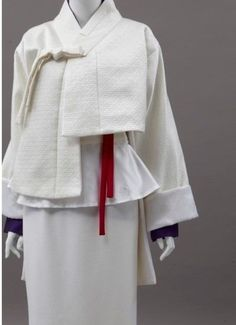 25 Modern Hanbok Can Be Used for Daily Wear Korean Traditional Clothes, Traditional Dresses, Textiles, Korean Accessories, Modern Hanbok, Modern Fashion, Fashion Design, Korean Fashion Trends, Fashion Ideas