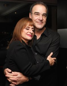 Patti Lupone and Mandy Patinkin, the original Evita and Che. They created the role in America. Broadway Plays, Broadway Shows, Patti Lupone, Hooray For Hollywood, Amazing Pictures, Musical Theatre, Cinnamon Rolls, Comedians, Candid