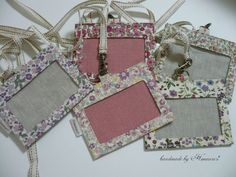 IDケース(保護者ケース)の作り方 | ハンドメイドのコツや作り方を伝授します~Himawari* Scrap Fabric Projects, Quilting Projects, Sewing Projects, Fabric Boxes, Fabric Scraps, Pouch Tutorial, Id Wallet, Quilted Bag, Sewing Toys