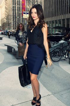 ImageFind images and videos about model and miranda kerr on We Heart It - the app to get lost in what you love. Office Fashion, Work Fashion, Thursday Outfit, Monday Outfit, Celine, Miranda Kerr Style, Office Outfits, Work Outfits, Office Looks