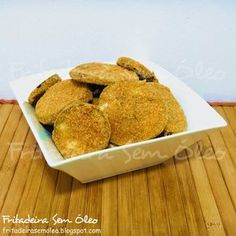 Berinjela à Milanesa na AirFryer | Fritadeira sem Óleo - AirFryer Multi Cooker Recipes, Slow Cooker Recipes, Cooking Recipes, Healthy Recipes, Air Fry Recipes, Food And Drink, Low Carb, Favorite Recipes, Eat