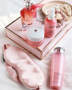 Here are my top recommended skincare & beauty products which I consider to be the absolute holy grail that'll give you that healthy glow your skin deserves. Acacia Honey, Rose Milk, Types Of Manicures, Hand Care, Feet Care, Perfect Nails, Lancome, Beauty Routines, Skincare Routine