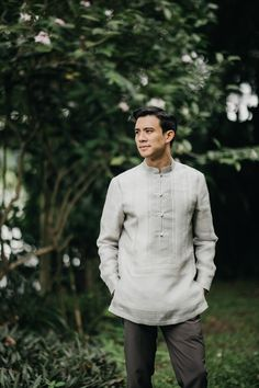 This Couple Opted for Simple and Understated Details for Their Wedding, and It Looked Stunning! Barong Tagalog Wedding, Barong Wedding, Filipiniana Wedding Theme, Wedding Groom, Wedding Suits, Wedding Attire, Groom Attire, Groom Outfit, Engagement Dress For Groom
