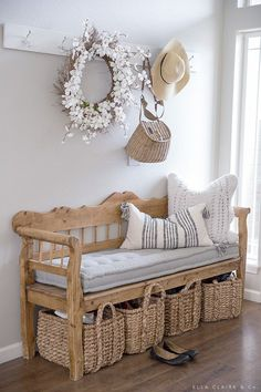 Simple spring decoration - Wohnaccessoires - Home Sweet Home Living Room Decor, Diy Bedroom Decor, Diy Home Decor, Decoration Home, Home Decor Baskets, Bench Decor, Decor Room, Home Design, Interior Design