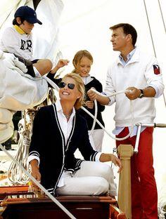 my favorite thing--navy & white