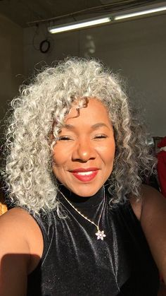 Grey Hair Don't Care, Grey Curly Hair, Silver Grey Hair, Curly Hair Styles, Gray Hair, Natural Hair Care, Natural Hair Styles, Mohawk Hairstyles, Ageless Beauty
