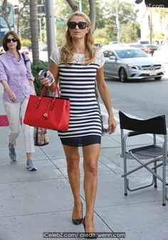 Paris Hilton spotted outside a tanning salon in Beverly Hills http://icelebz.com/events/paris_hilton_spotted_outside_a_tanning_salon_in_beverly_hills/photo1.html