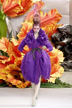 """Christian Dior - Haute Couture Fall Winter 2010/2011 - Shows - Vogue.it Model: Karlie Kloss (""""Open zoom"""" for HQ image)"""