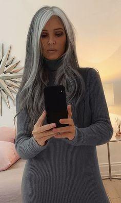 Grey Hair Don't Care, Long Gray Hair, Silver Grey Hair, White Hair, Grey Hair Transformation, Grey Hair Inspiration, Gray Hair Highlights, Transition To Gray Hair, Platinum Blonde Hair