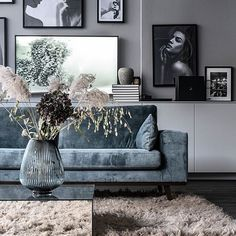 ideas for a perfect living room - Interior Goals - Vase ideen Room Inspiration, Home And Living, House Interior, Home Living Room, Home, Interior Design Living Room, Living Decor, Living Room Paint, Living Room Grey