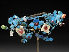 Chinese Hairpin inlaid kingfisher feathers and gems. 19th C.