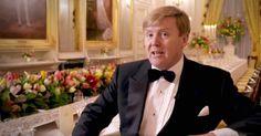 De koning nodigt ter gelegenheid van zijn vijftigste verjaardag 150 Nederlanders uit voor een feestelijk diner.