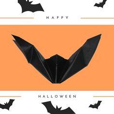 Pipistrello origami.. Buon Halloween!  ---- Origami bat.. Happy Halloween! :) #halloween #buonhalloween #happyhalloween #graphics #origami #pipistrello #bat #trickortreat #dolcettooscherzetto #31ottobre #creativity #creatività