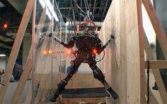 DARPA's PetProto robot climbs, gauges, jumps, comes to get you. Acho que nunca ouviram falar na Skynet. No fim das contas serão robôs ou zumbis de qualquer forma.
