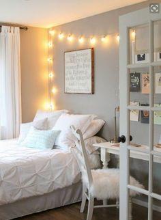 10 ideas para disfrutar de tu hogar en invierno #hogar #decoración #home #deco #invierno #frío #luces #guirnaldas #dormitorio #alfombra #pelo www.hogardiez.com.es