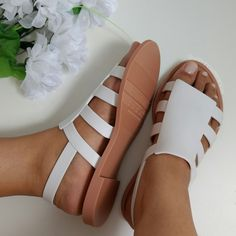 Melissa Boemia Branca coleção Flygrl Cute Sandals, Shoes Sandals, Sandals 2018, Shoes Melissa, Stylo Shoes, Jelly Shoes, Leather Slippers, Comfy Shoes, Trendy Shoes
