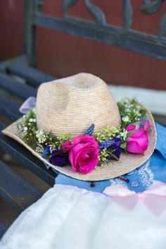 cowgirl hat flower crown / floral crown for cowgirl birthday party / photo by Stevi Sayler Photography #cowgirlparty #cowgirlhat #flowercrown