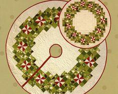 Christmas Stockings, Christmas Wreaths, Christmas Crafts, Christmas Decorations, Christmas Ideas, Christmas Bells, Merry Christmas, Christmas Ornaments, Christmas Tree Skirts Patterns