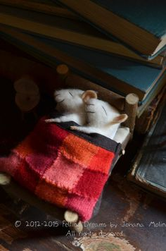 Handmade felted Sleeping Mice from a wonderful artist in Santiago, Chile. Check out her Etsy page.