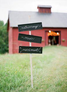 Chalkboard Wedding Signs – Ideas and Inspiration Blackboard Wedding, Wedding Signage, Chic Wedding, Wedding Tips, Our Wedding, Dream Wedding, Wedding Bells, Wedding Venues In Virginia, Wedding Locations