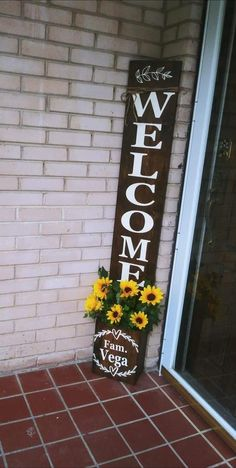 Welcome Signs Front Door, Wooden Welcome Signs, Diy Wood Signs, Crafts To Sell, Diy And Crafts, Happy Birthday Signs, Flower Boxes, Flowers, Diy Pallet Projects