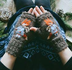 playful fox mittens by liskin_dol