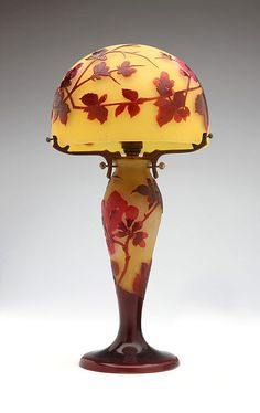 Lovely French Galle art glass miniature cameo glass lamp. L. 19th century.