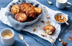 Bananenbrood muffins met appel en kaneel I Love Food, A Food, Good Food, Food And Drink, Healthy Baking, Healthy Snacks, Healthy Recipes, How To Make Granola, Easy Cooking