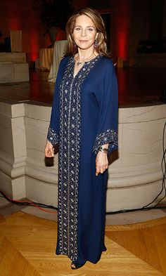 Her Majesty Queen Noor al-Hussein of Jordan donned an embroidered kaftan at Refugees International's 38th Anniversary Dinner at Andrew W. Mellon Auditorium in Washington, DC.