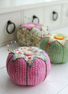 Retro Mama | Garden Girls tomato pincushions                                                                                                                                                                                 More