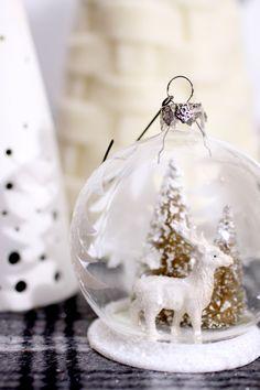 Christmas / Holiday party decor #manvidronahidalgo #tablesetting www.mochatini.net #bright.bazaar