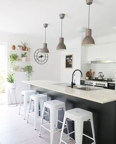 Laat het weekend maar beginnen! Wat gaan jullie dit weekend doen? * * * * Credits: @becdarragh *  * * * #inspiratie #interieur #interieurinspiratie #woontrends #meubels #meubel #meubelonline #wonen  #woonaccessoires #design #living #interior #myhome2inspire #interior4you #instahome #styling #livingroom #wooninspiratie #homedeco #homedecoration #homedecor #furnnl #furniture #beautiful #homeandliving #lifestyle #vrijdag #friyay #friday #FlashBackFriday