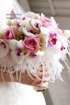 5600 руб. состав:калла, роза, орхидея фаленопсис,ферзия,перья диаметр 20 см высота 25 см.