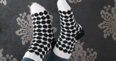 Nuoren tyttösen kässäblogi, luvassa inspiraatiota ja paljon herkullisia värejä! Love Knitting Patterns, Crafts, Diy, Crochet, Fashion, Moda, Manualidades, Bricolage, Fashion Styles