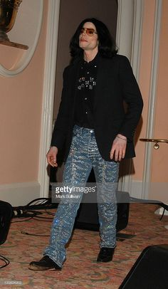 Michael Jackson during An Evening of Love, Light and Laughter to Benefit Lupus LA and Lupus Research at Beverly Hills Hotel in Beverly Hills, California, United States. (Photo by Mark Sullivan/WireImage) Jackson Family, Janet Jackson, Beverly Hills, Art Michael Jackson, King Of Music, The Jacksons, Singer, Celebrities, Style