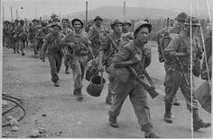 Marseille, la Liberation. Le débarquement de Provence, août 1944. France, Var, montée en ligne des troupes de l'armée B après leur débarquement dans le golfe de Saint-Tropez. ECPAD   Le débarquement de Provence, août 1944.