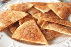 This recipe for Baked Cinnamon Sugar Chips is a great dessert, appetizer or snack and kids will love it too! Great Desserts, Delicious Desserts, Yummy Food, Tasty, Mexican Food Recipes, Snack Recipes, Dessert Recipes, Cooking Recipes, Mexican Appetizers