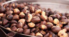 """Onore alla castagna! Arrostite, in crema, in zuppe o nei risotti. La castagna è l'imprescindibile ingrediente sulle nostre tavolate d'autunno. E in Italia sono numerosi i tributi che si danno a questo delizioso """"frutto"""" del bosco. Scoprite tutti gli appuntamenti qui: http://www.star.it/n/onore-alla-castagna/"""
